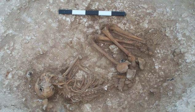 boys body found at stonehenge
